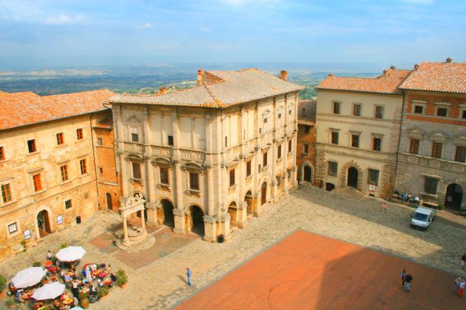 Montepulciano i Toscana